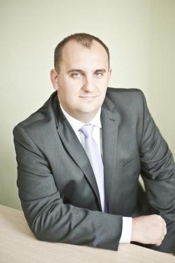 Prawnik Dariusz Skrzyński ekspert na konferencji online Aktywna tablica